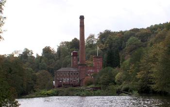 ダーウェント峡谷の工場群の画像 p1_3