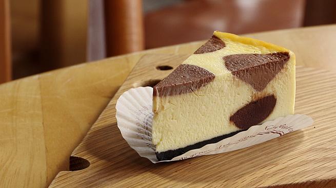 お取り寄せ(楽天)  ご当地牛乳グランプリ最高金賞★ うしさんチーズケーキ! ファームデザインズ浜中 価格4,800円 (税込)