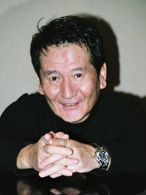 昭和歌謡の輝き!思い出を紡いだ伝説の作家7人